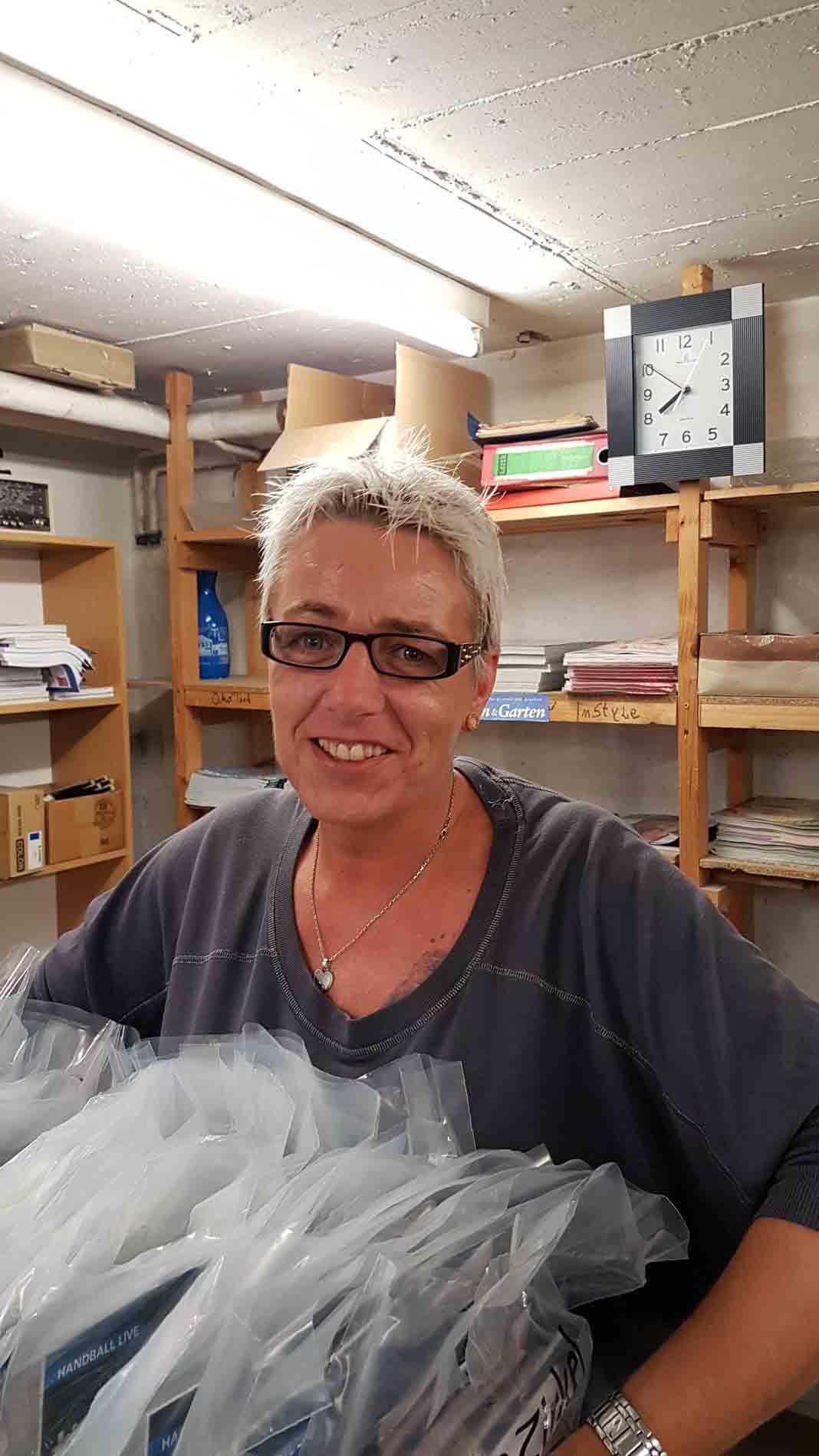 Zustellerin im Lesezirkel Schütt aus Flensburg